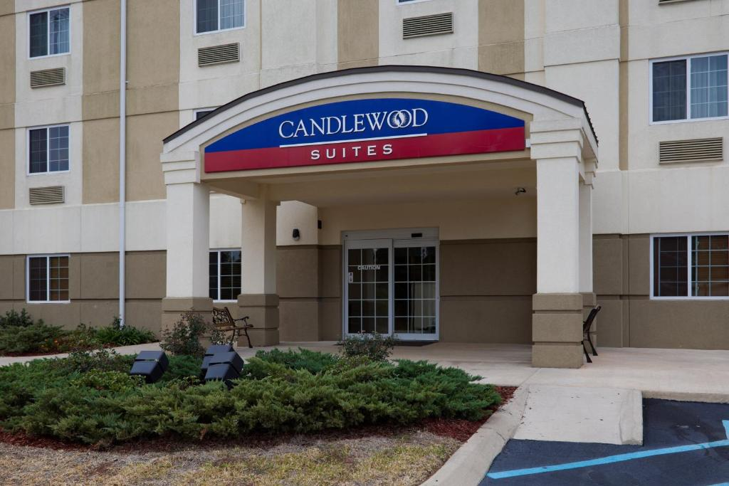 Candlewood Suites Pearl, an IHG Hotel