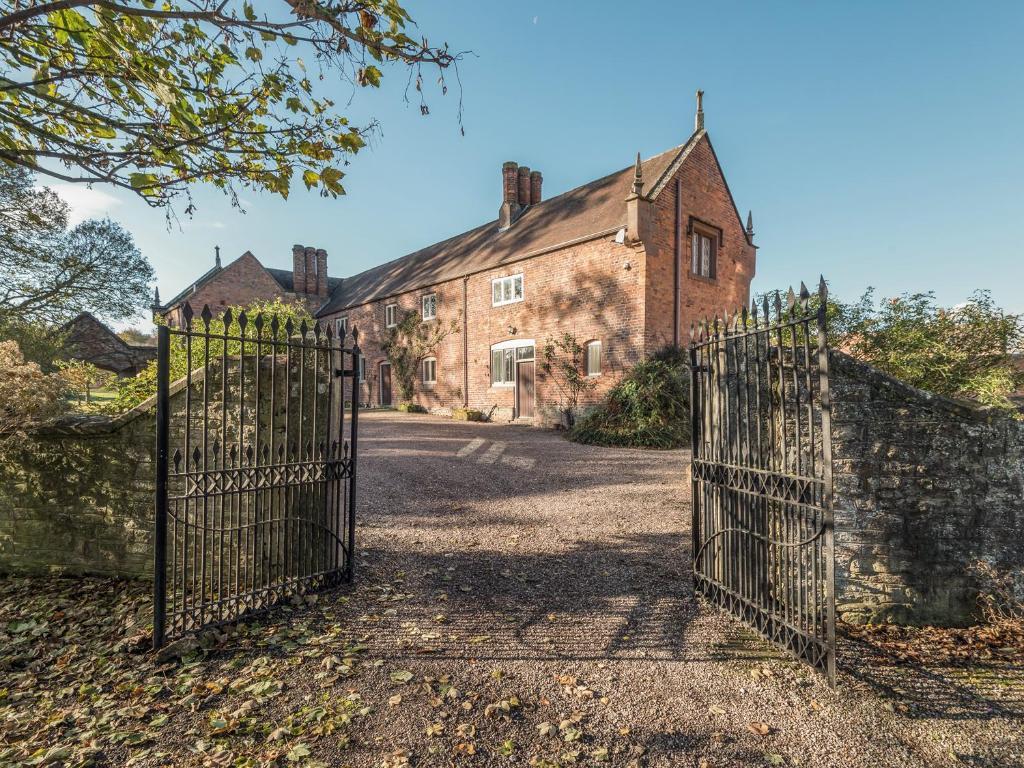 Wyvern House
