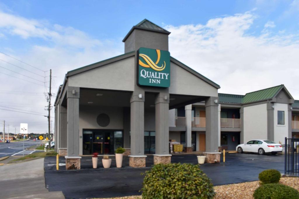Quality Inn Calhoun North I-75
