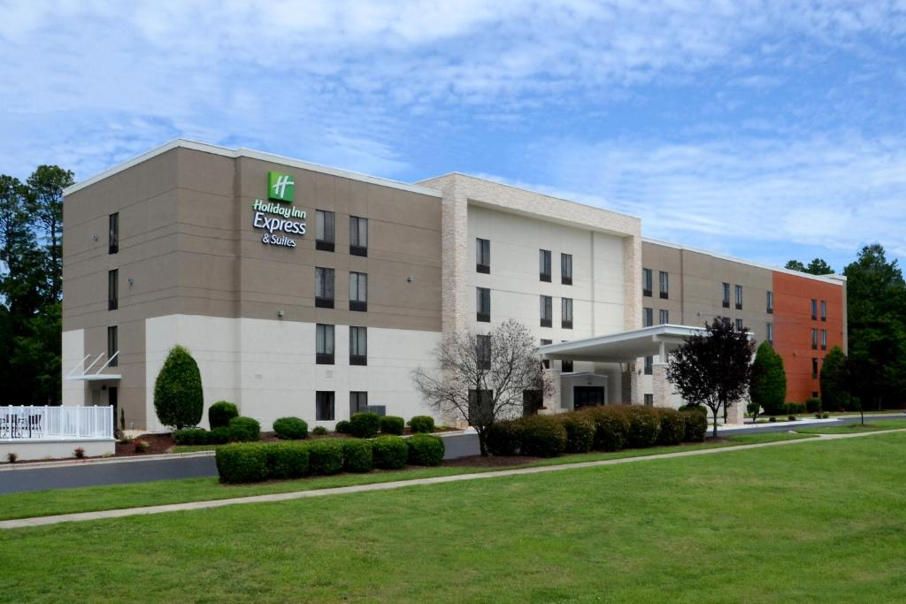 Holiday Inn Express Hotel & Suites Research Triangle Park, an IHG Hotel