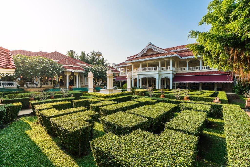 Wora Bura Hua Hin Suite & Villa