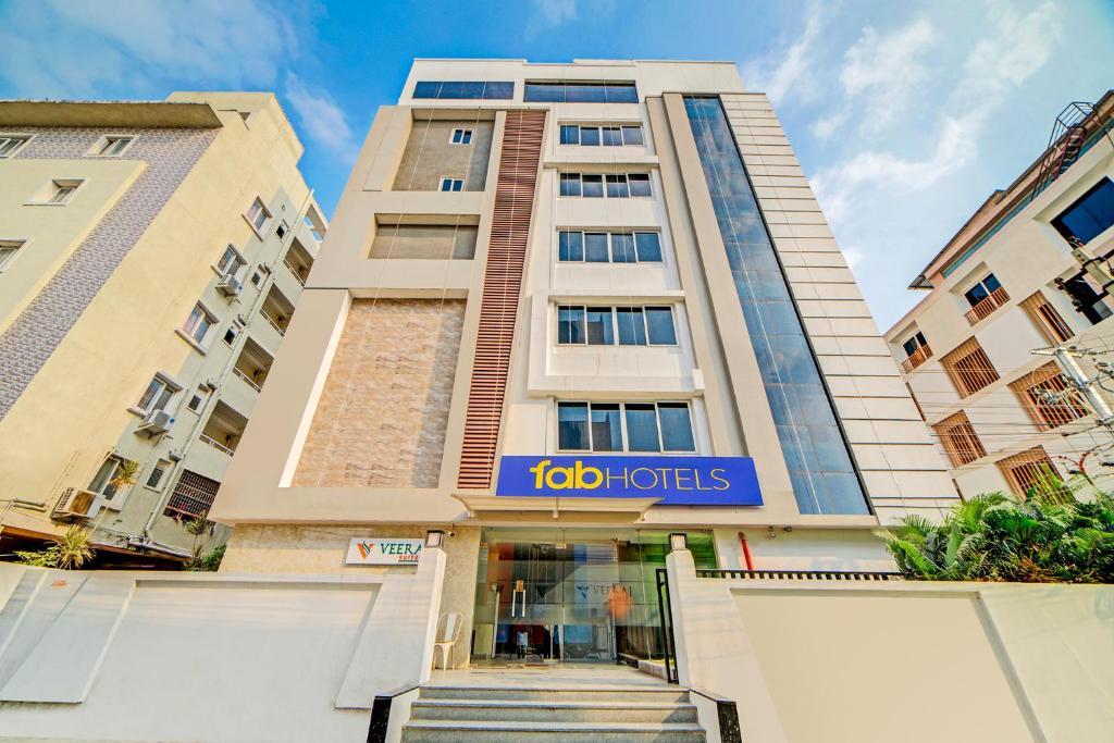 FabHotel Corporate Suites Gachibowli - Fully Vaccinated ...