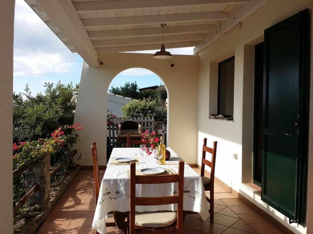 Quaint Holiday Home in Geremeas Sardinia with Sea view image1