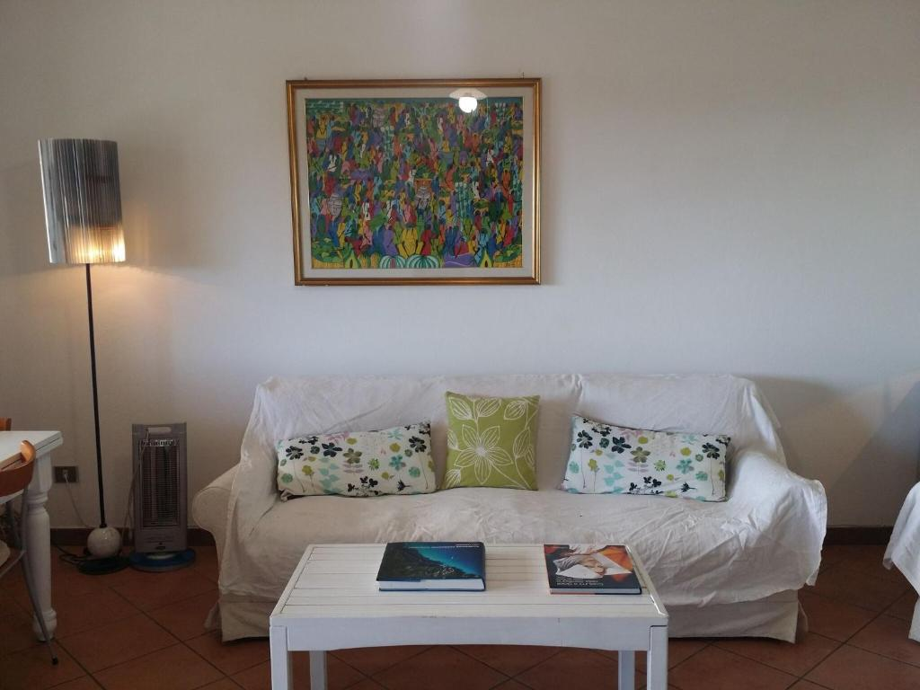 Quaint Holiday Home in Geremeas Sardinia with Sea view image7