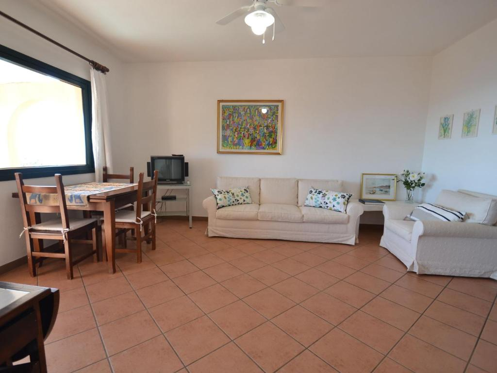 Quaint Holiday Home in Geremeas Sardinia with Sea view image3