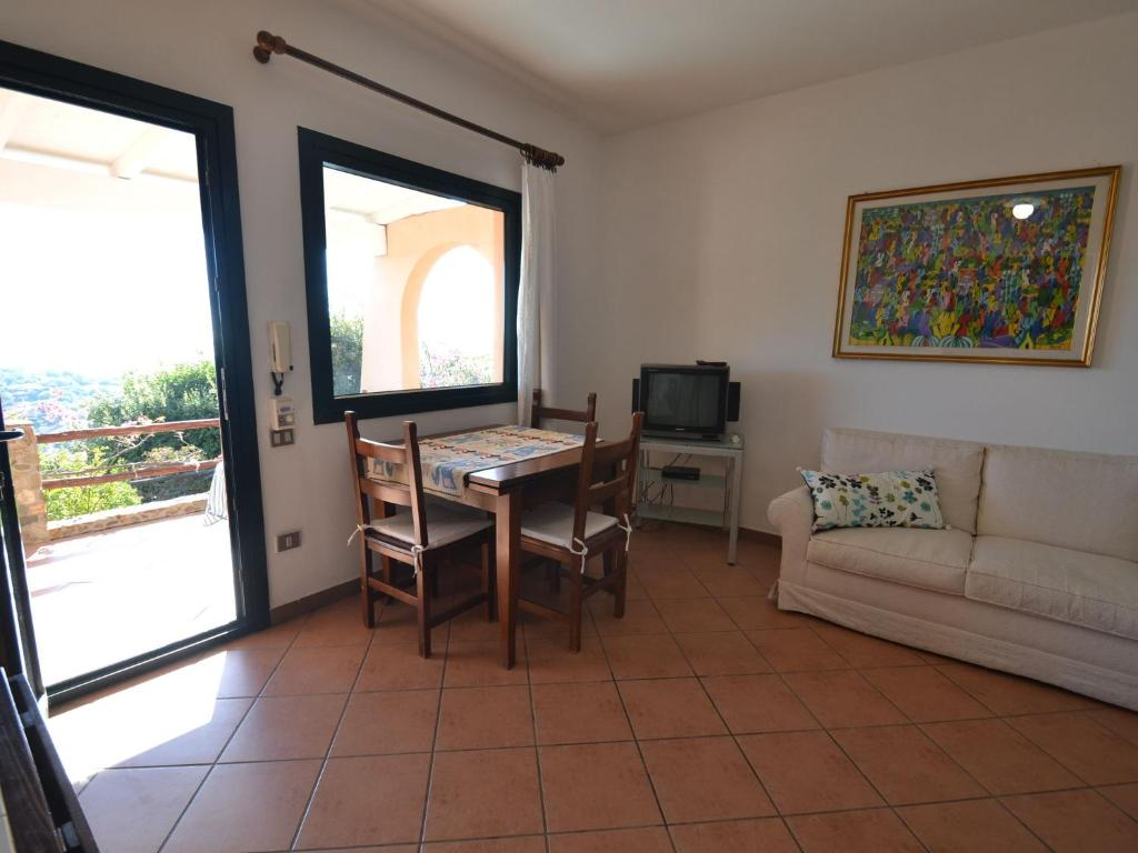 Quaint Holiday Home in Geremeas Sardinia with Sea view image6