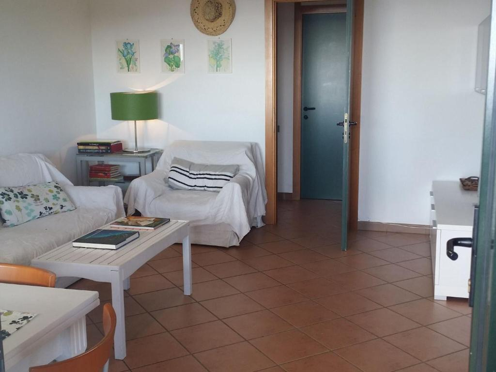 Quaint Holiday Home in Geremeas Sardinia with Sea view image9