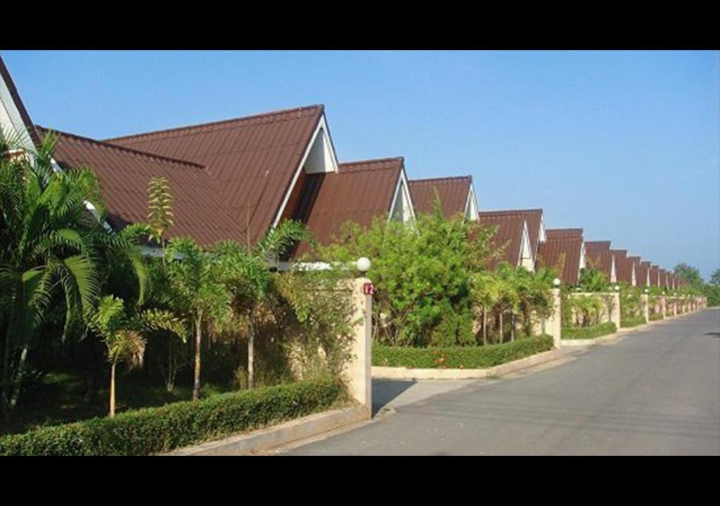 Moo Noi Resort