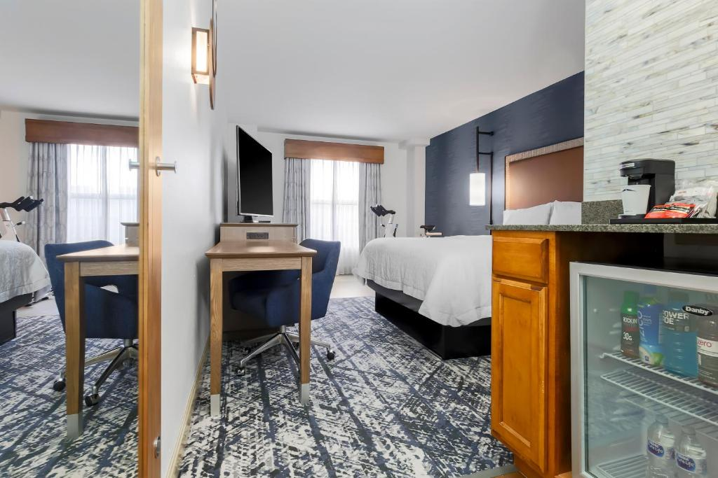 Hampton Inn & Suites Austin-Downtown/Convention Center Photo #23