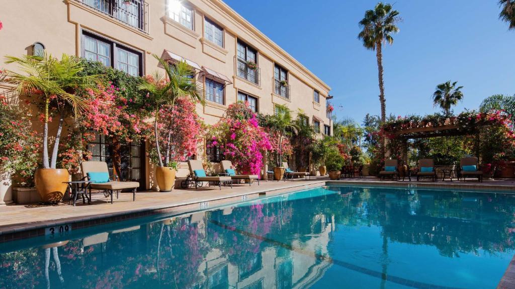Best Western Plus Sunset Plaza Hotel Photo #42