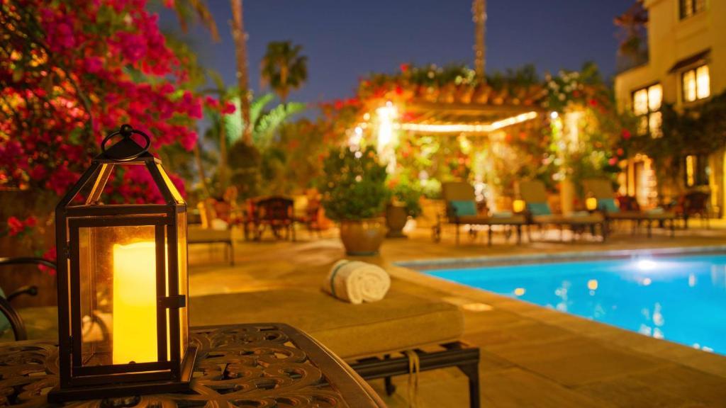 Best Western Plus Sunset Plaza Hotel Photo #43