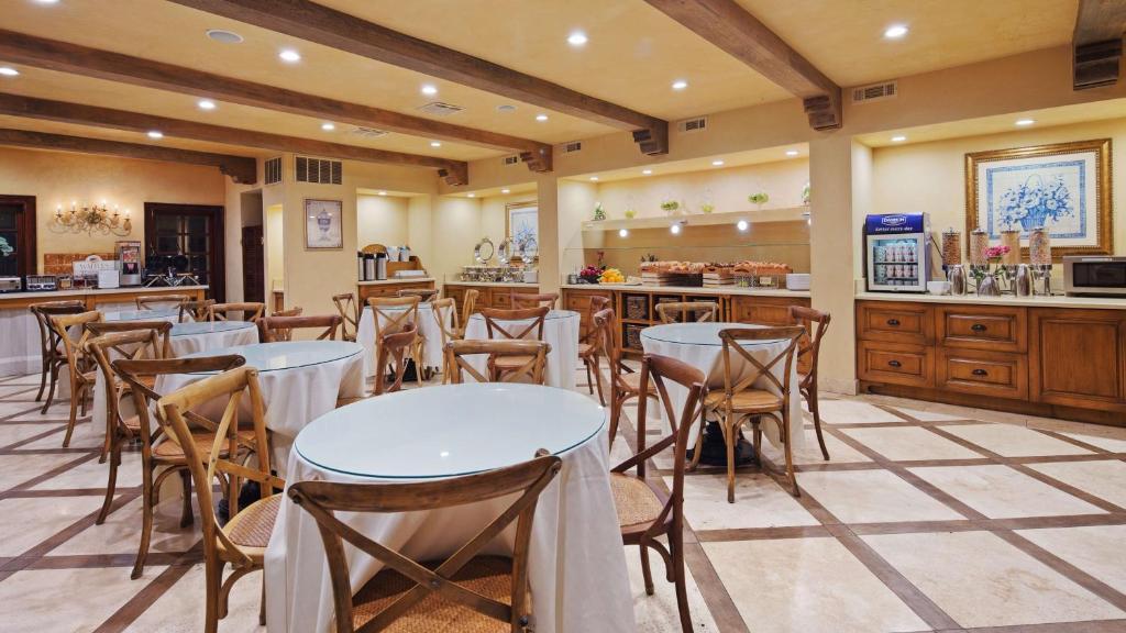 Best Western Plus Sunset Plaza Hotel Photo #45