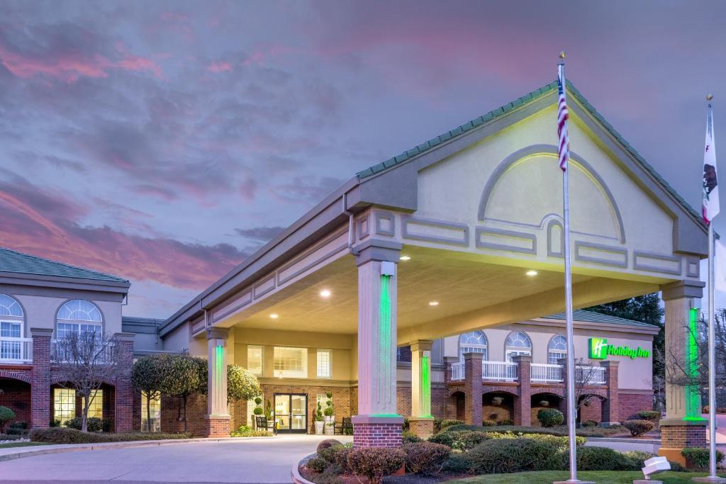 Holiday Inn Auburn, an IHG Hotel