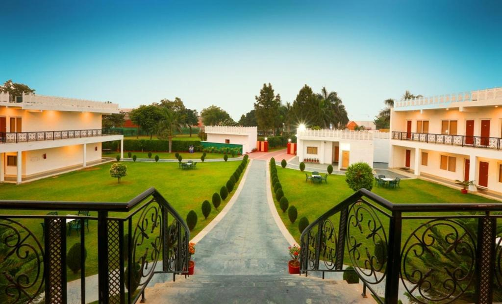 Aapno Ghar Resort & Amusement Park