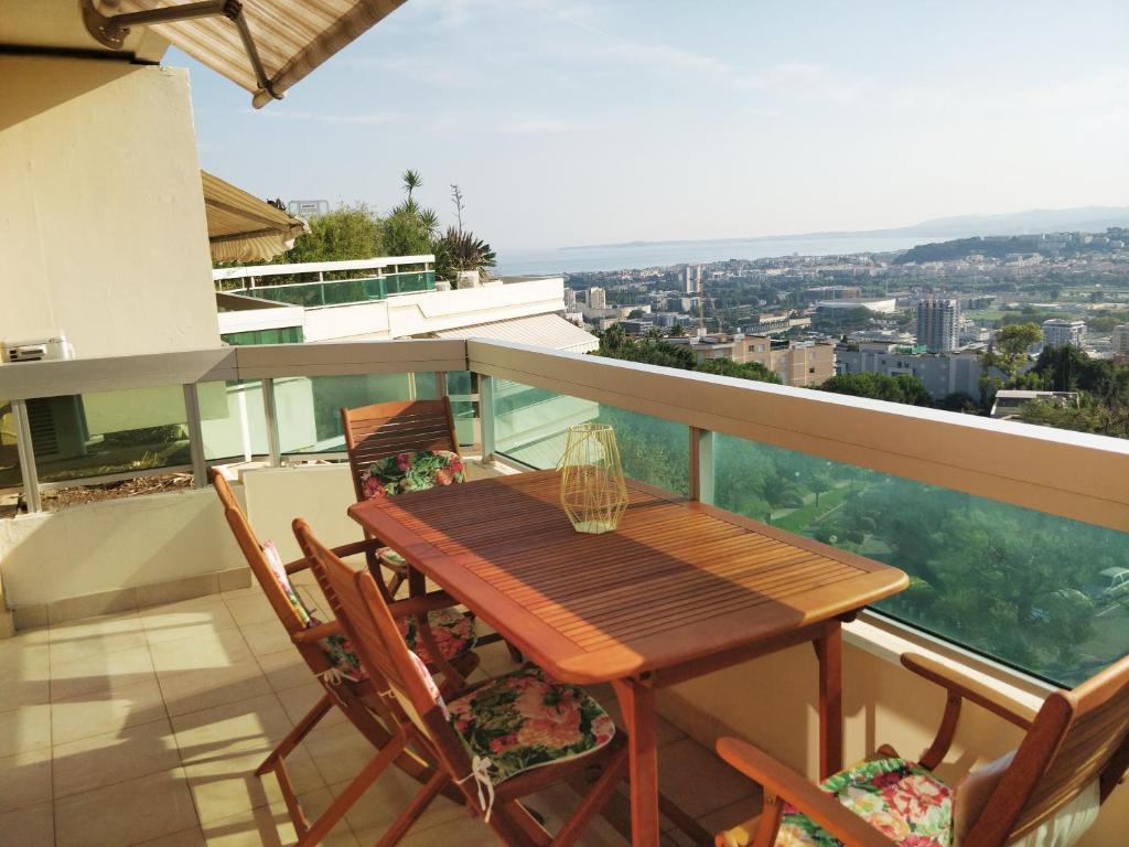 Corniche Fleurie see view balcony