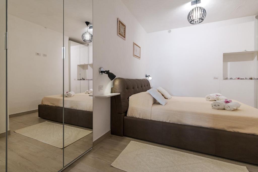 Purple Flower Suit Apartment img26