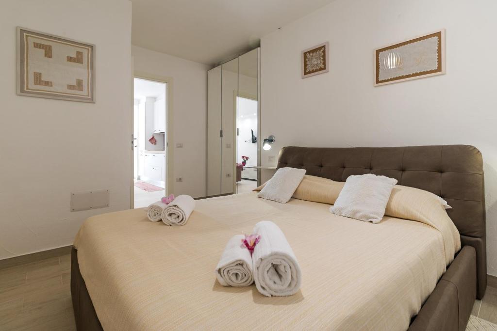 Purple Flower Suit Apartment img21