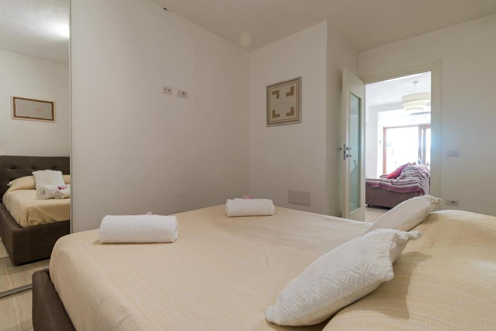 Purple Flower Suit Apartment img25