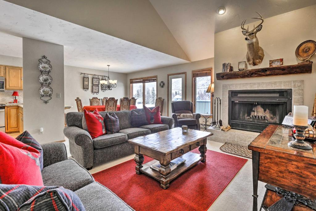 Eclectic Eagle-Vail Condo 2 Miles to Beaver Creek