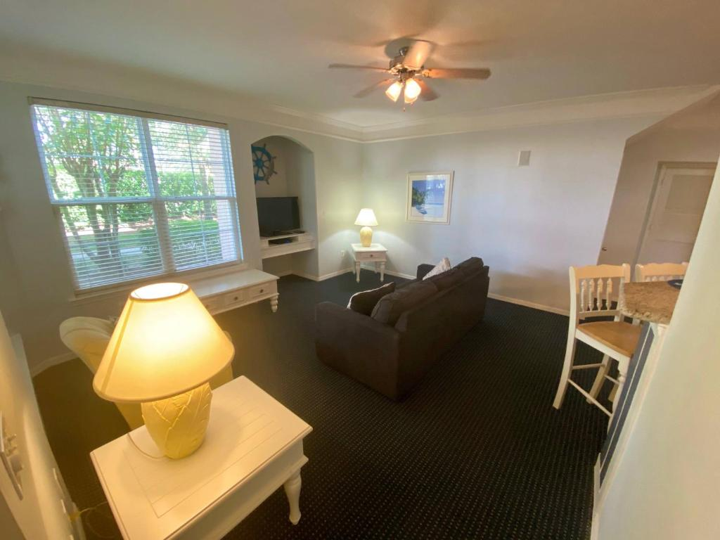 Disney On Budget - Runaway Beach Club - Welcome To Cozy 2 Beds 2 Baths Townhome - 3 Miles To Disney