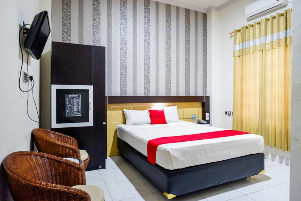 RedDoorz @ Hotel Bumi Palupy