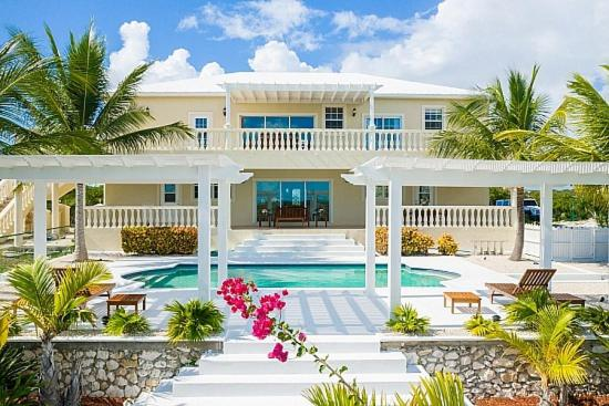 Turquoise Dream Villa @ Long Bay with private pool
