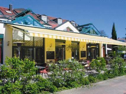hotel hirschen friburgo de brisgovia reserve o seu hotel com viamichelin. Black Bedroom Furniture Sets. Home Design Ideas