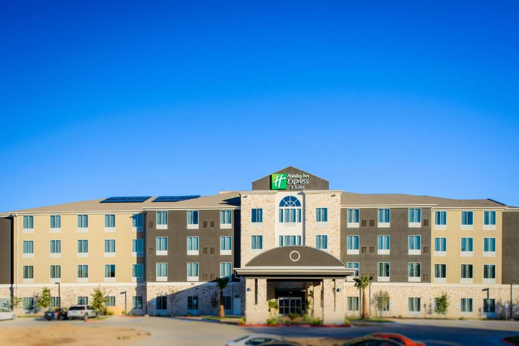 Holiday Inn Express Hotel & Suites Austin NW - Arboretum Area, an IHG Hotel