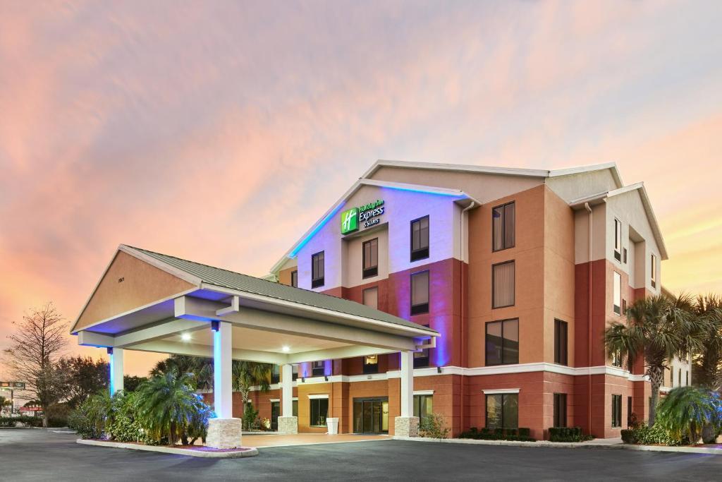Holiday Inn Express Hotel & Suites Port Richey, an IHG Hotel