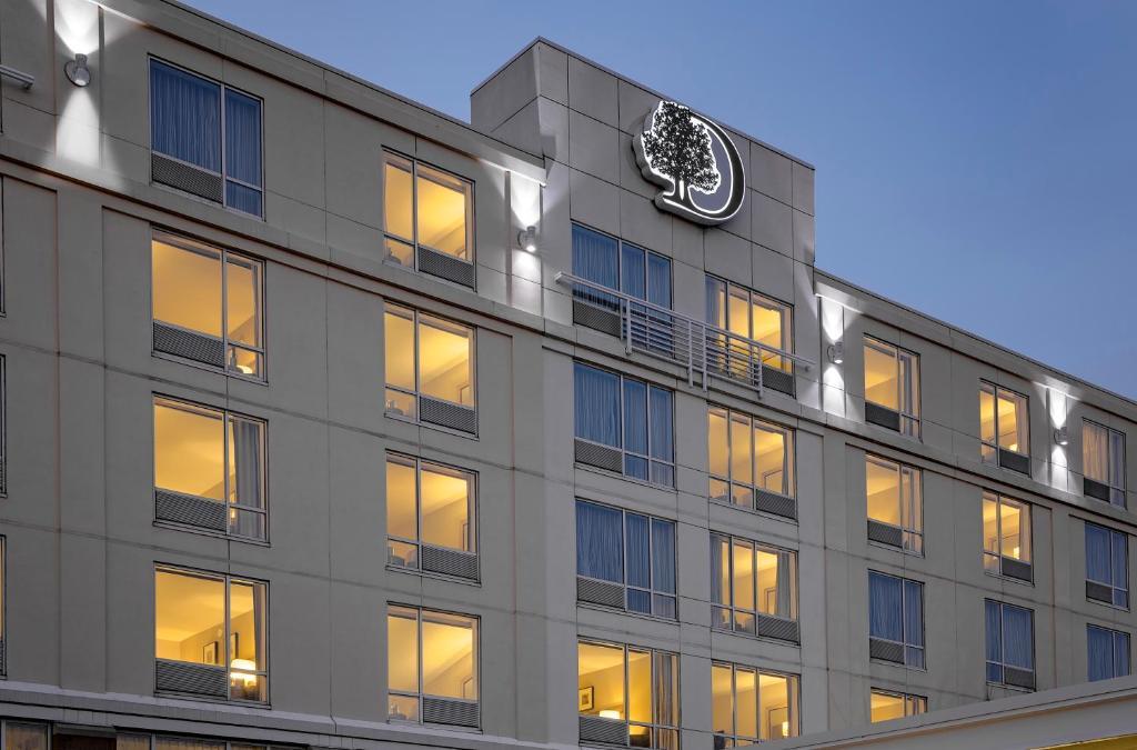 DoubleTree by Hilton Hotel Boston Bayside