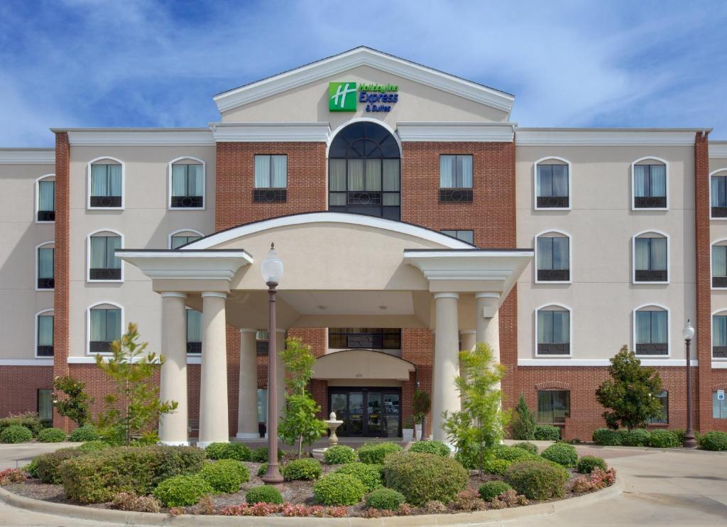 Holiday Inn Express Hotel & Suites Ennis, an IHG Hotel