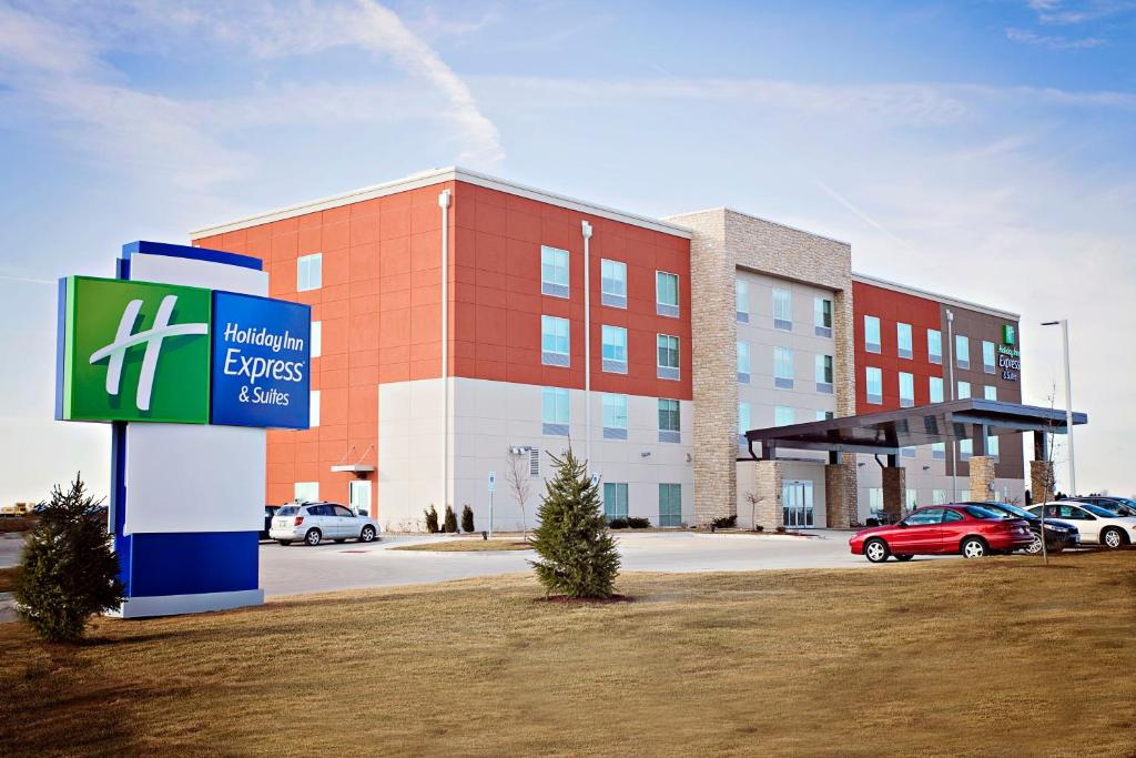 Holiday Inn Express & Suites - Rantoul, an IHG Hotel