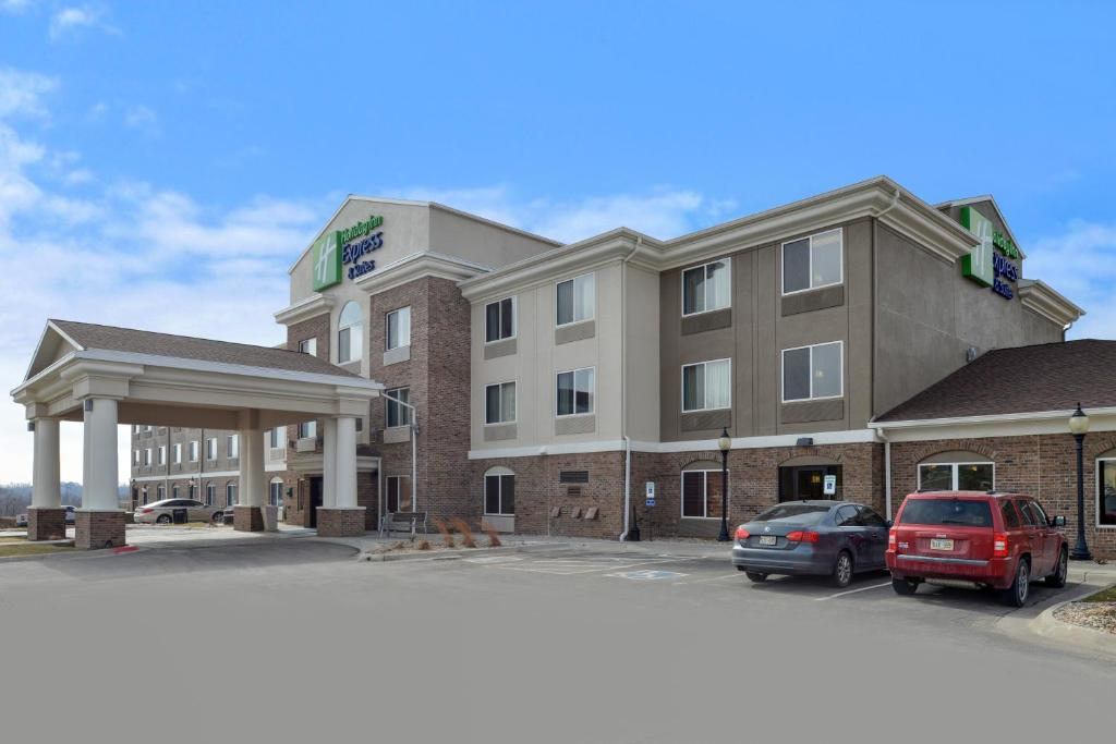 Holiday Inn Express Hotel & Suites Omaha West, an IHG Hotel