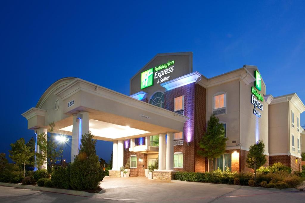 Holiday Inn Express & Suites Fort Worth - Fossil Creek, an IHG Hotel