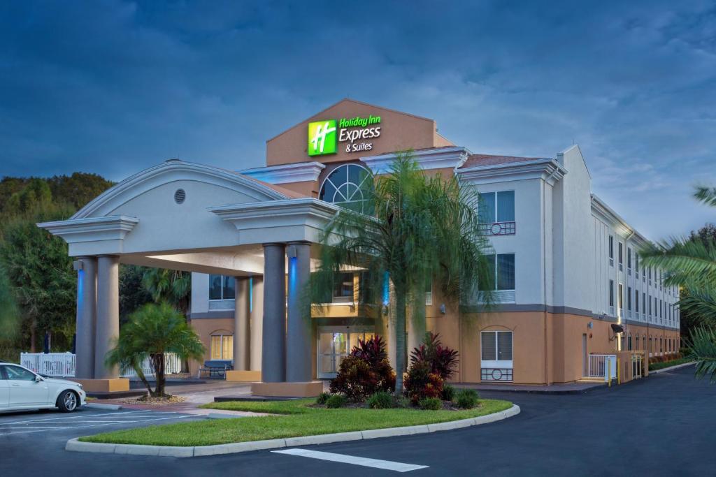 Holiday Inn Express & Suites Tavares, an IHG Hotel