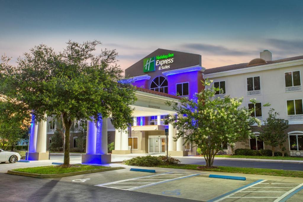 Holiday Inn Express Silver Springs - Ocala, an IHG Hotel