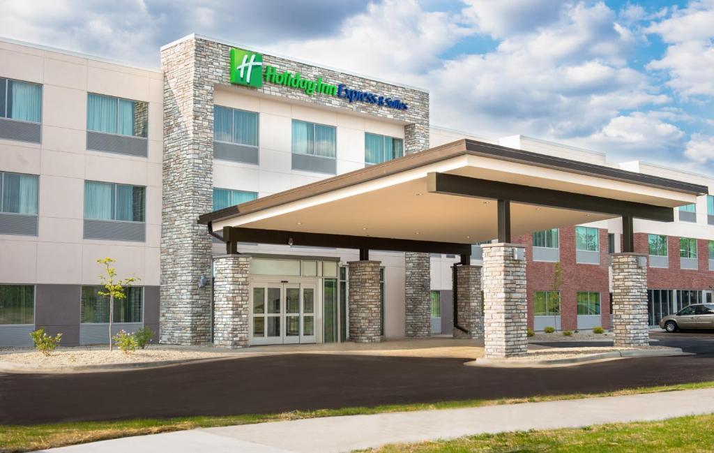 Holiday Inn Express & Suites Rock Falls, an IHG Hotel