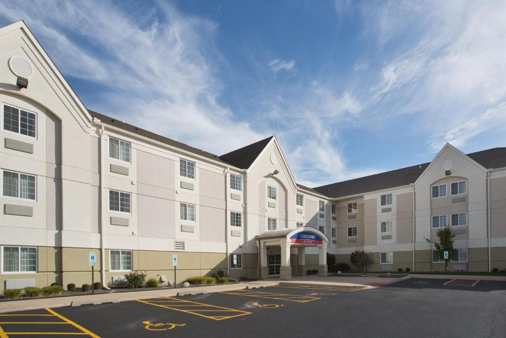 Candlewood Suites - Peoria at Grand Prairie, an IHG Hotel