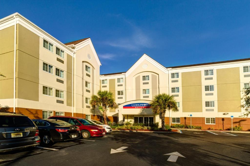 Candlewood Suites Fort Myers Interstate 75, an IHG Hotel