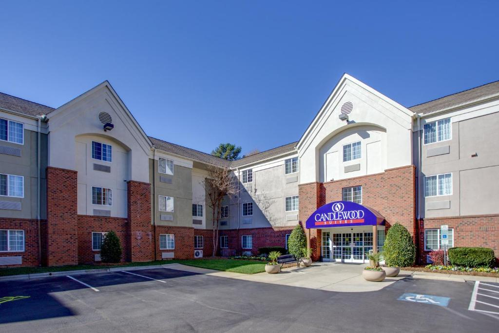 Candlewood Suites Raleigh Crabtree, an IHG Hotel