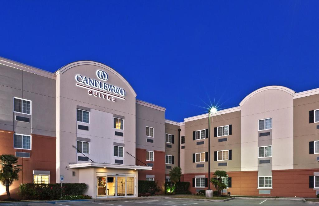 Candlewood Suites Pearland, an IHG Hotel