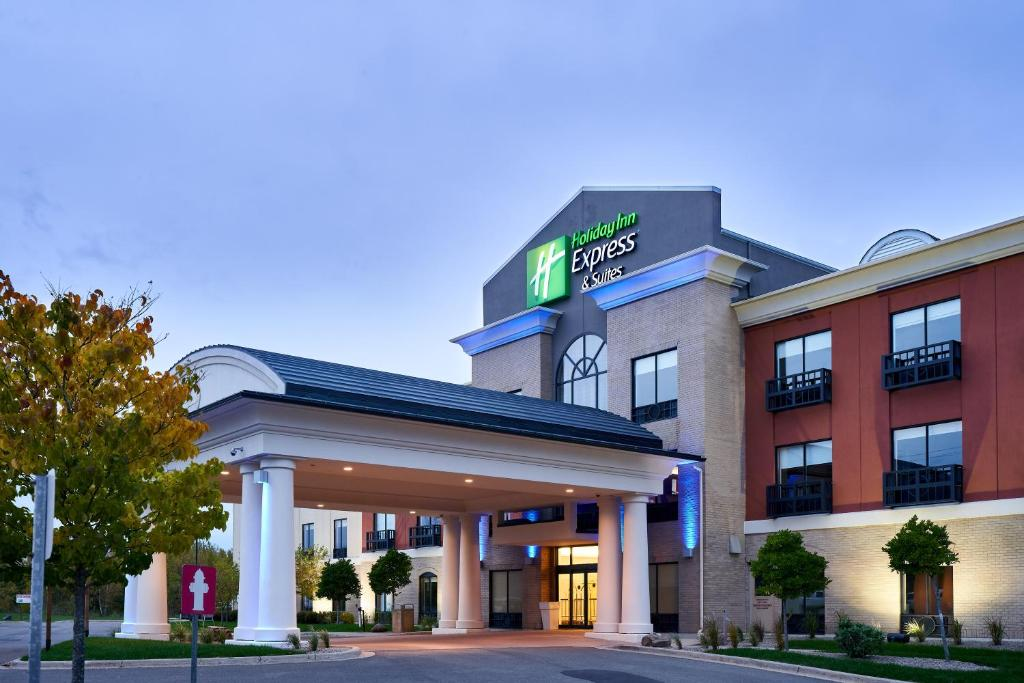 Holiday Inn Express Hotel & Suites Dieppe Airport, an IHG Hotel