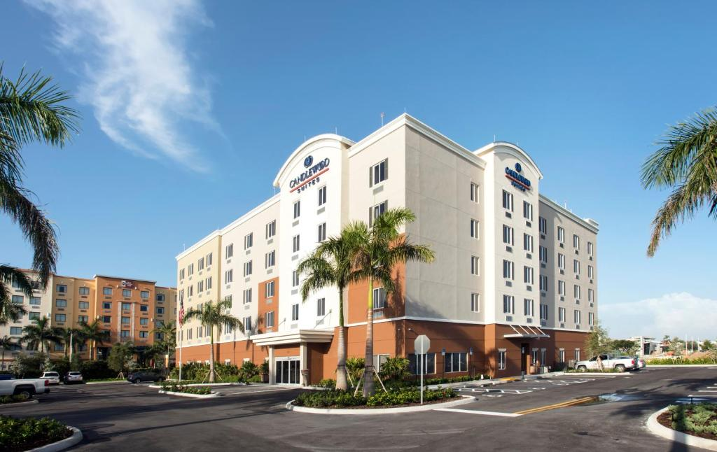 Candlewood Suites - Miami Exec Airport - Kendall, an IHG Hotel