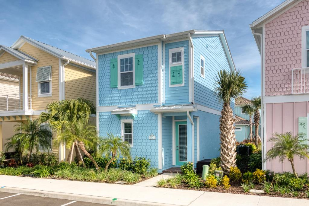 Daily Housekeeping Included, Hotel Amenities, Near Disney