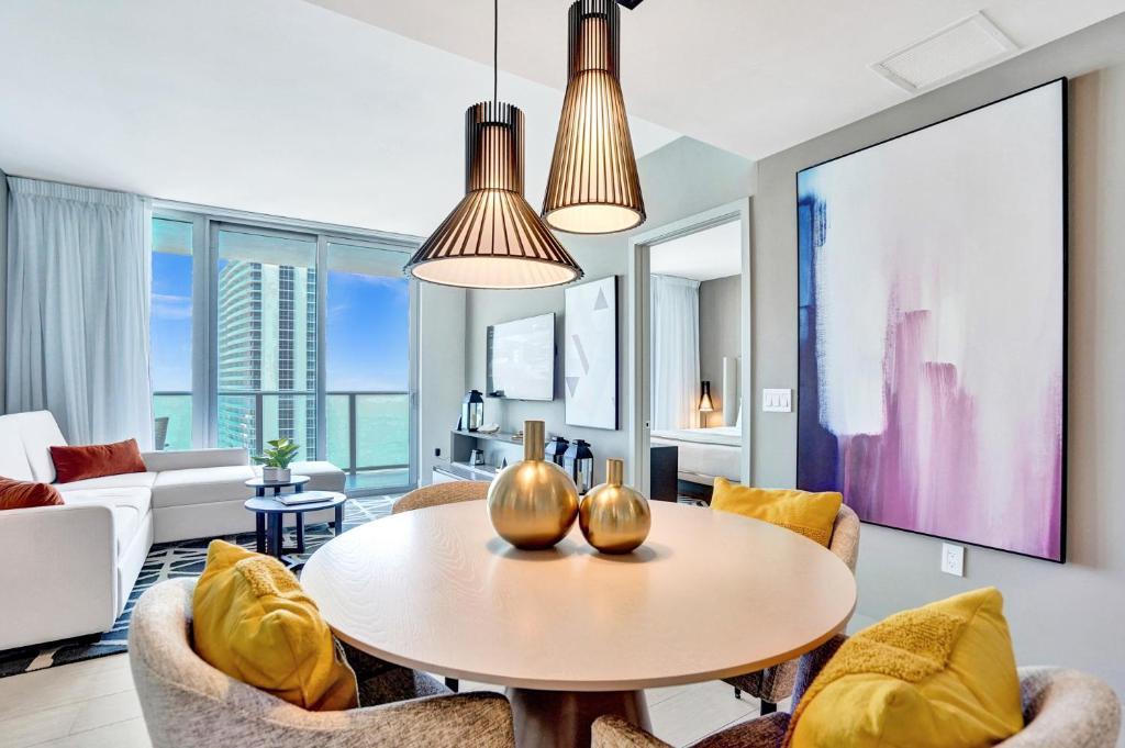 Ocean View Luxury 2 Bedroom 2 Bathroom Apartment 29th floor