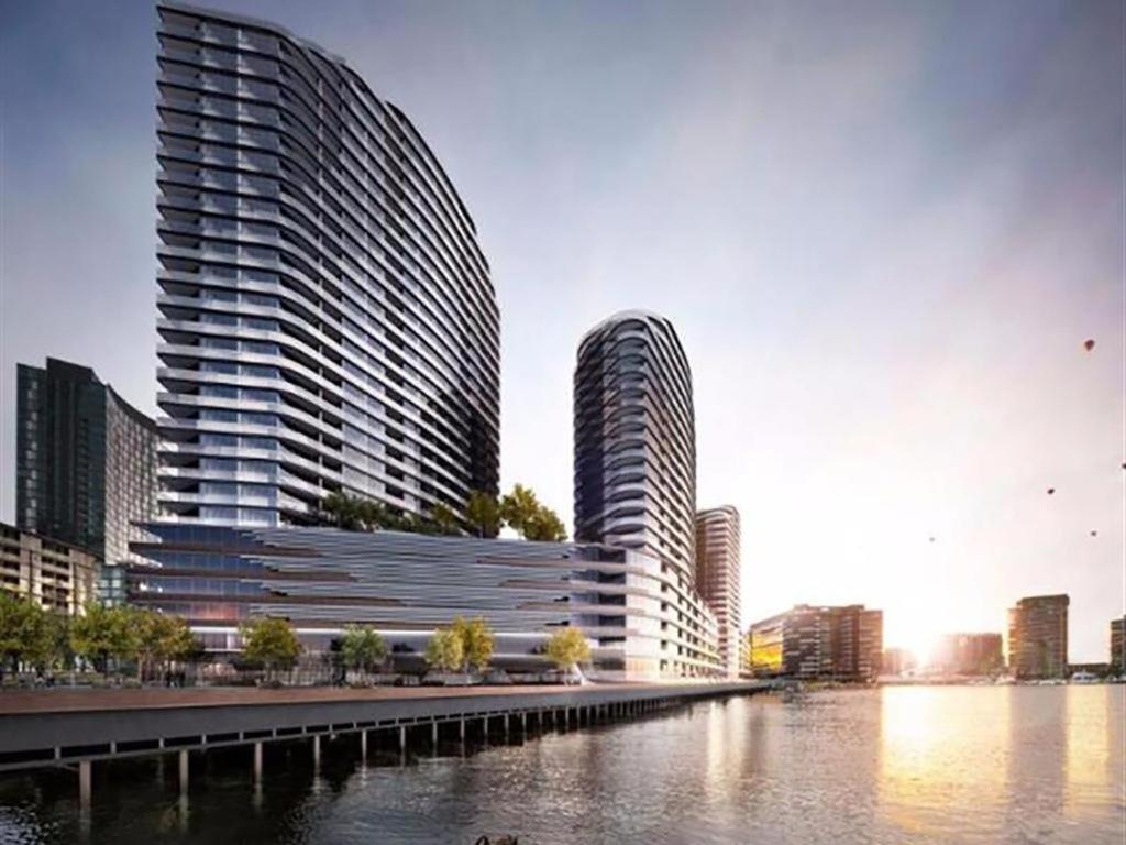 Amazing waterfront Apartments on Collins Street Docklands