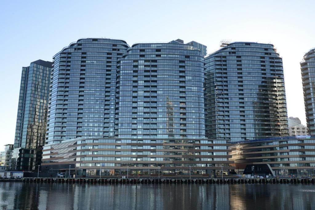 Magnificent waterfront apartments on collins