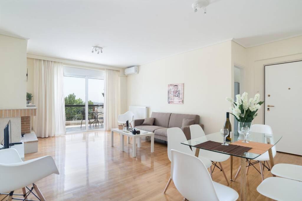 Marousi comfy apartment next to metro (MAR073B2)