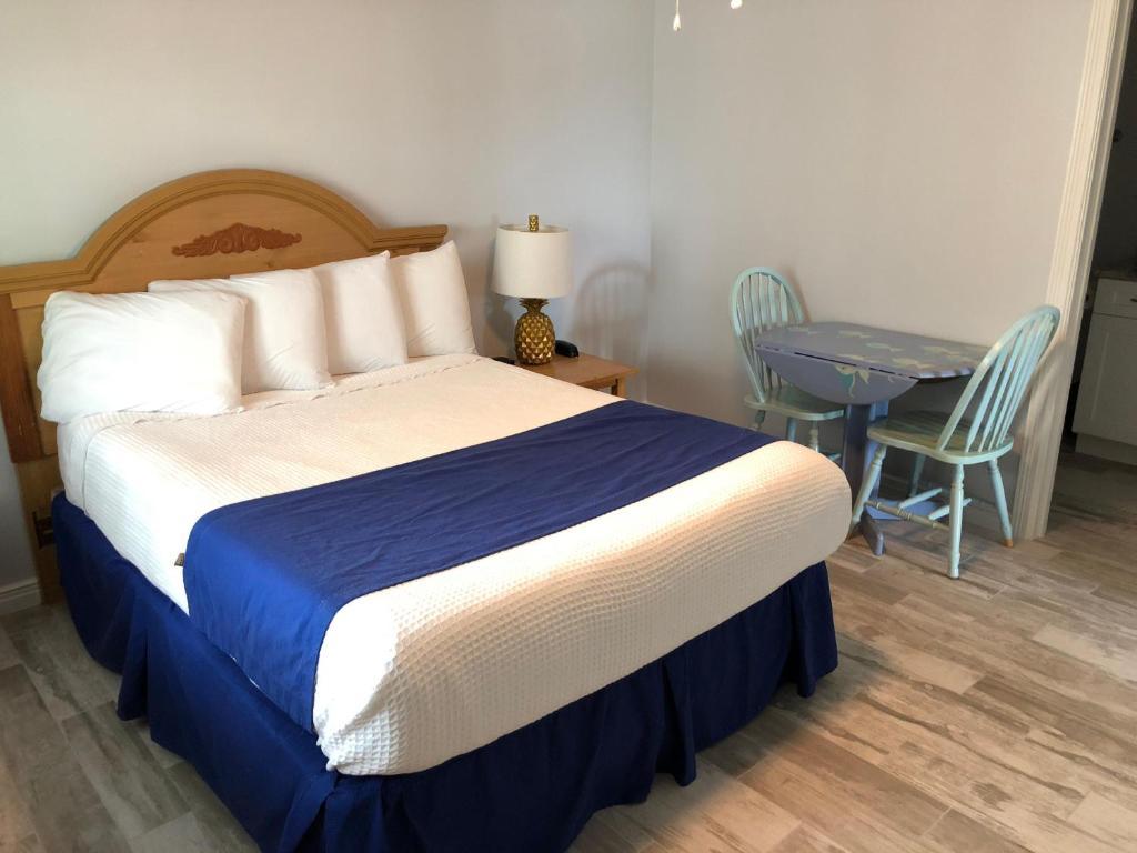 Beachgate Condo Suites and Hotel 218+219