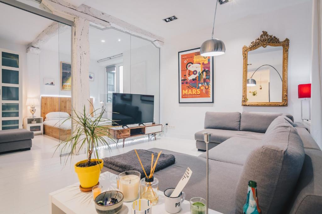 Plaza Nueva apartment by People Rentals